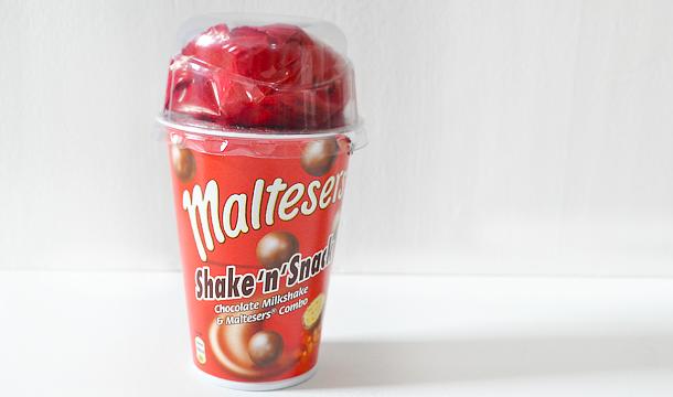 Is het wat? Maltesers Shake 'n' Snack!