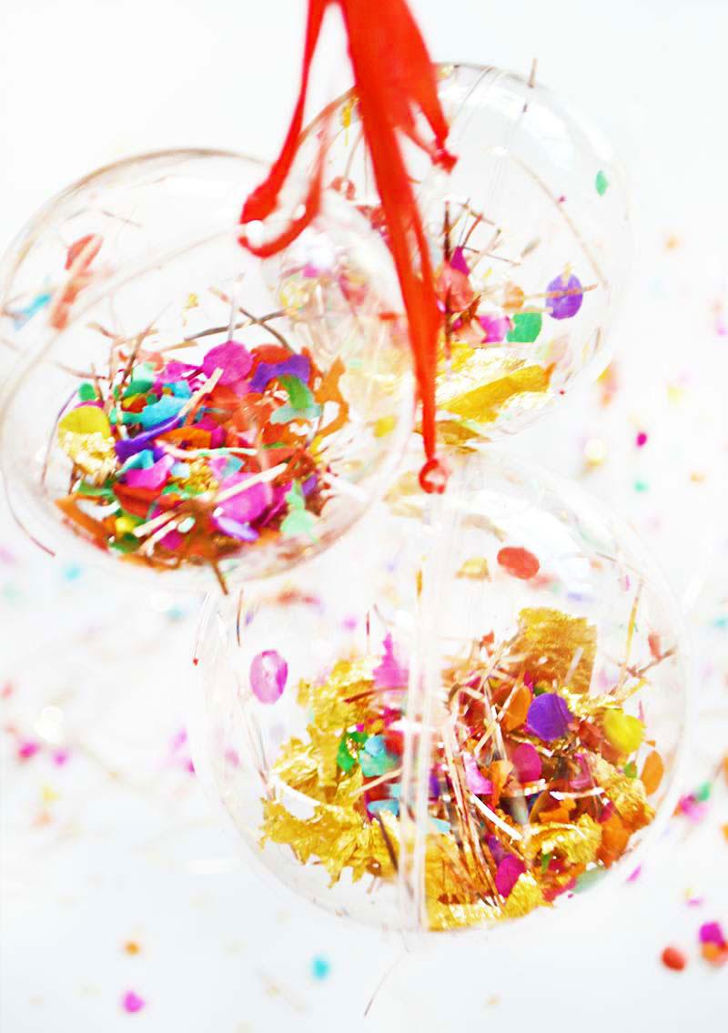 DIY | Christmas Glitter Confetti Ball!